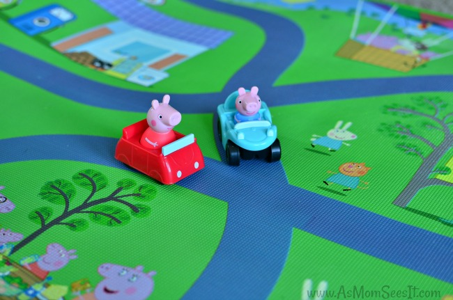 Peppa Pig Jumbo Playmat with cars