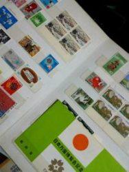 昭和の坊ちゃんの趣味の一つは切手の収集