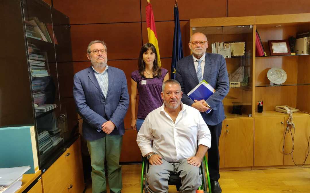 TCA, bandas rugosas, salvacunetas y zonas de refugio: Fomento acoge con interés las propuestas de DIA para mejorar la seguridad de carreteras