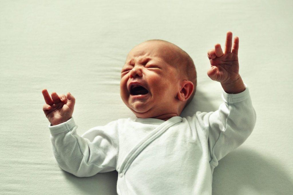 Foto de bebe llorando para posts crisis de lactancia