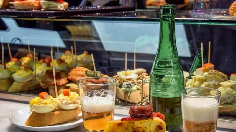 Tapas met bier, Javea, Costa Blanca, Casa Asombrosa