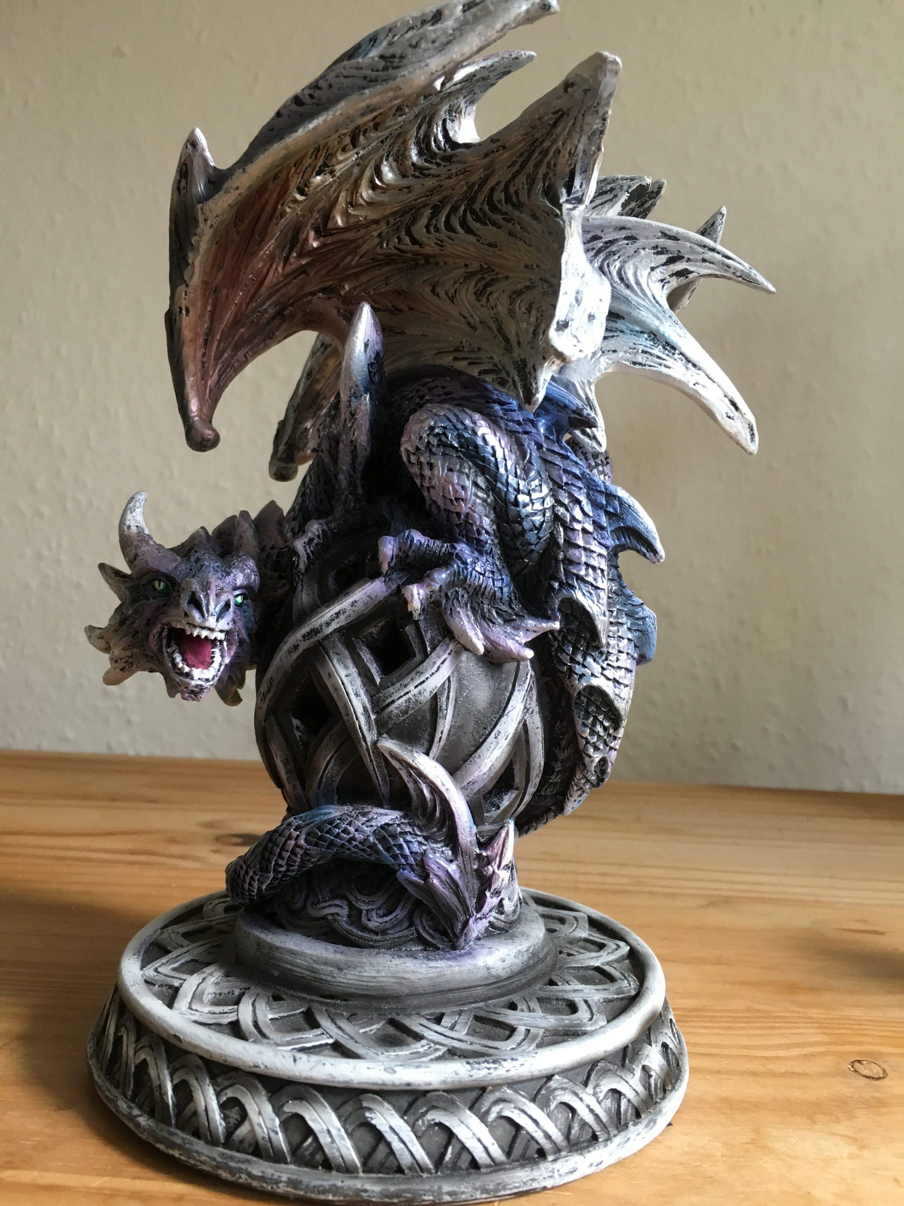 Purple, majestic dragon
