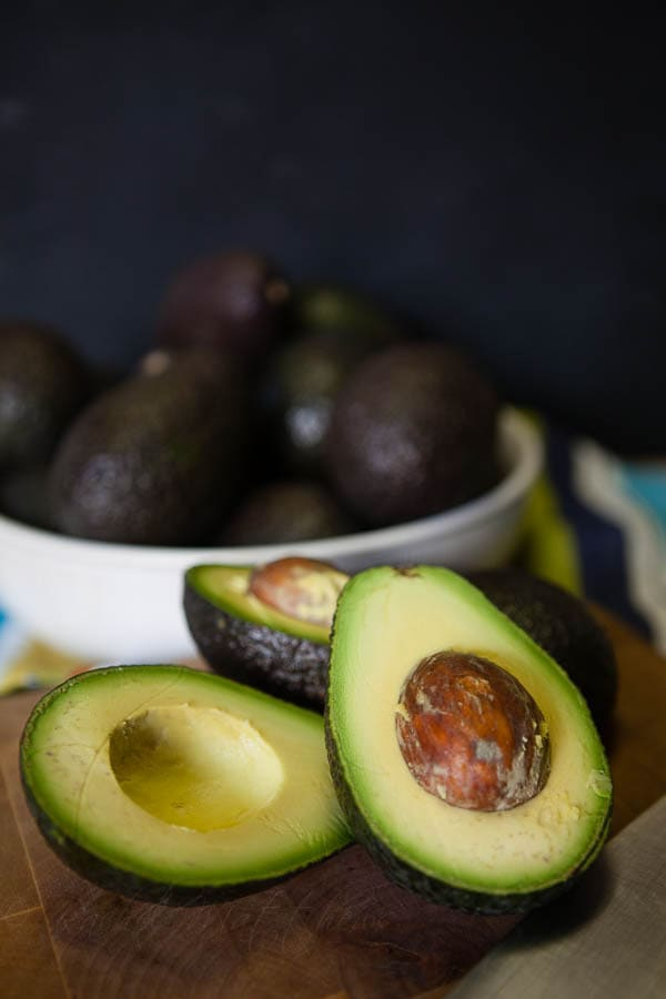 sliced avocados