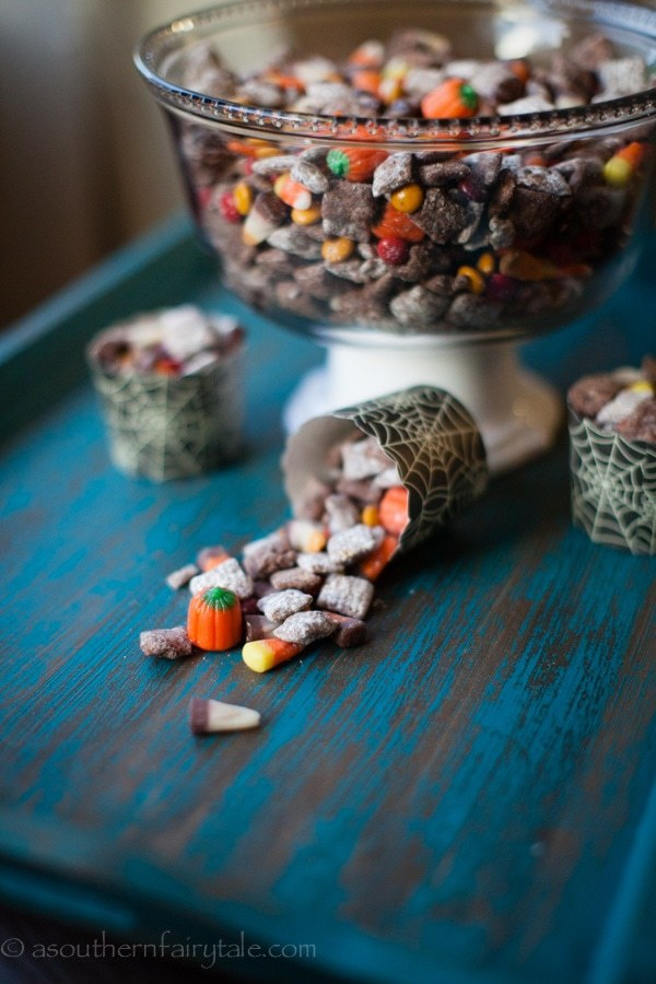 Halloween puppy chow with Nutella-4287