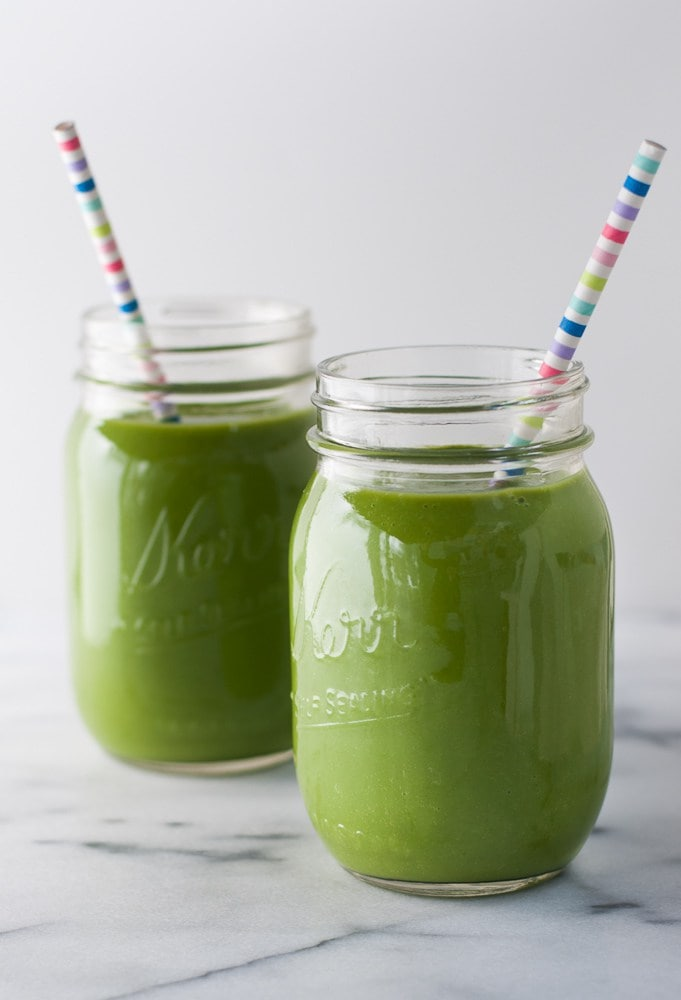 Spinach Apple Detox Smoothie from Life is But a Dish