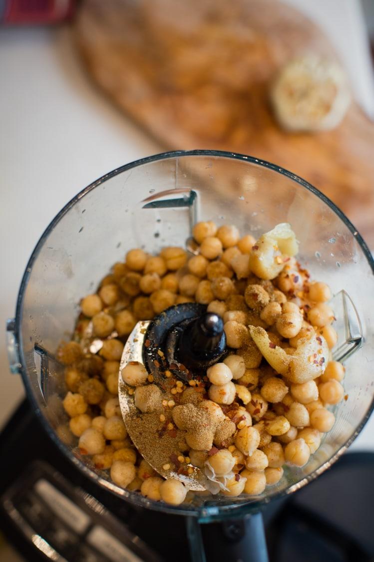 easy homemade spicy hummus