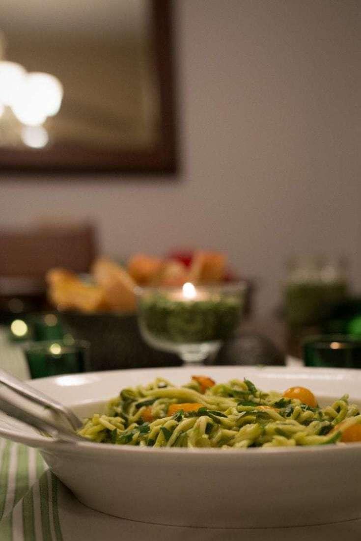 Zoodles with Spicy Avocado Garlic Sauce: Dinner En Green with California Avocados