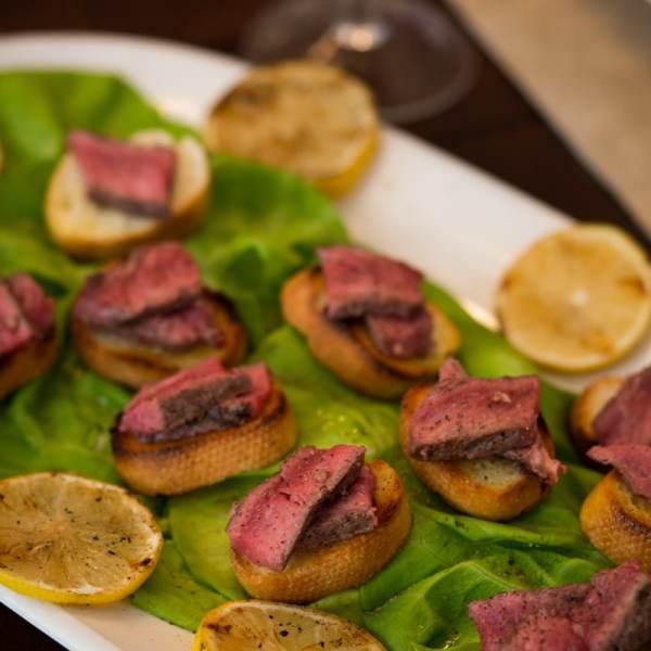 steak rustica toast bites