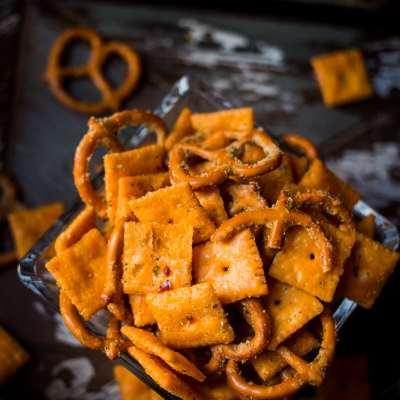 Spicy Cheezit Pretzel Snack Mix
