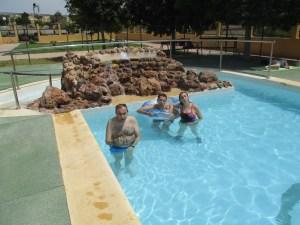 José Luis, Moi y Rosa en la piscina de RPGA