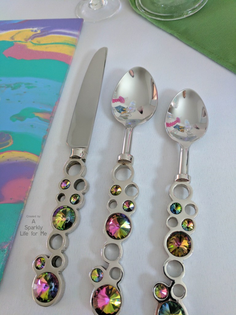 Rainbow Centerpiece Silverware and Placemats for a Unicorn Party Tabelscape