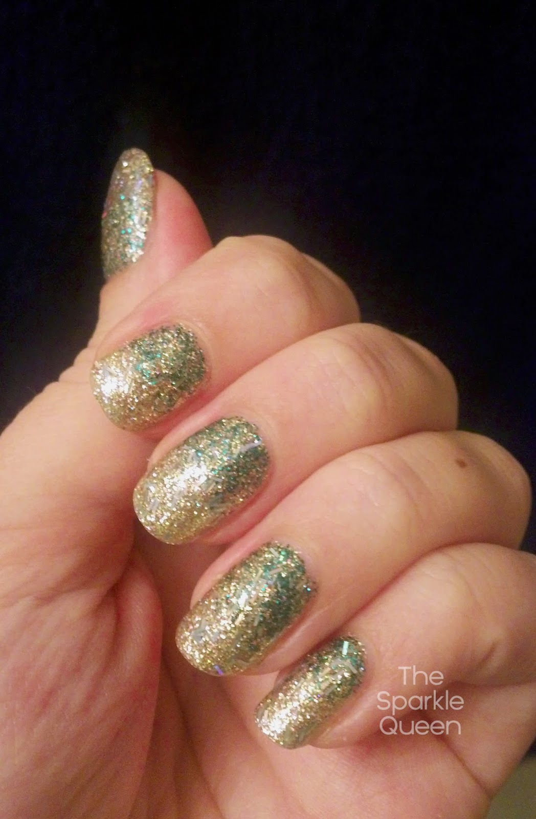 Christmas glitter gradient nail art a sparkly life for me a trio of polishes makes up this look though only one has a name i used a green glitter actually labeled green glitter no clue where i prinsesfo Gallery