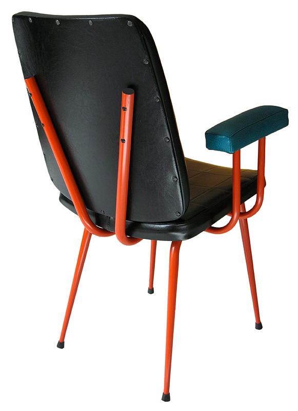 fauteuil de bureau en skaï vintage