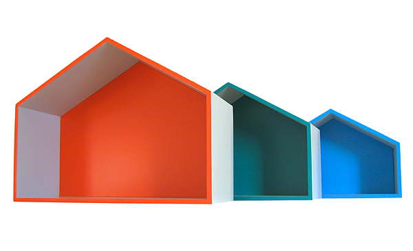 étagère maison murale peinte