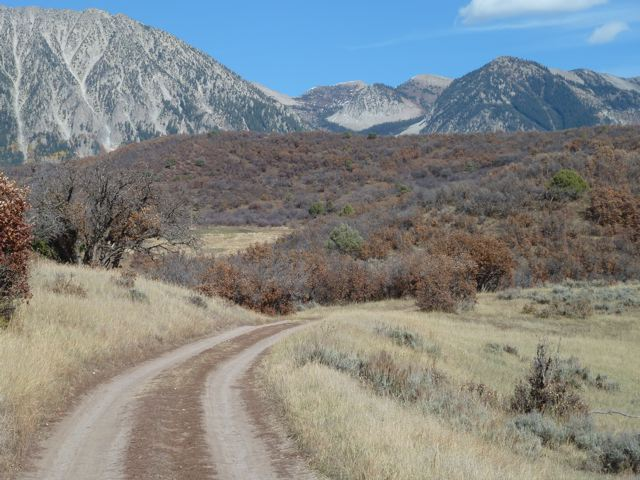 This is the road on the BLM land between the two sections of Bear Ranch.