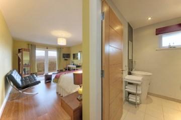 Stalker Double room with French doors to Veranda