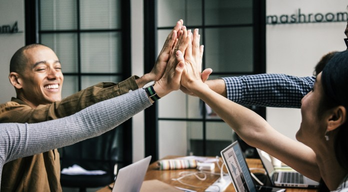 By analyzing data on the work of more than 50 million teams in science and technology, researchers discovered that larger teams developed recent, popular ideas, while small teams disrupted the system by drawing on older and less prevalent ideas | Aspioneer