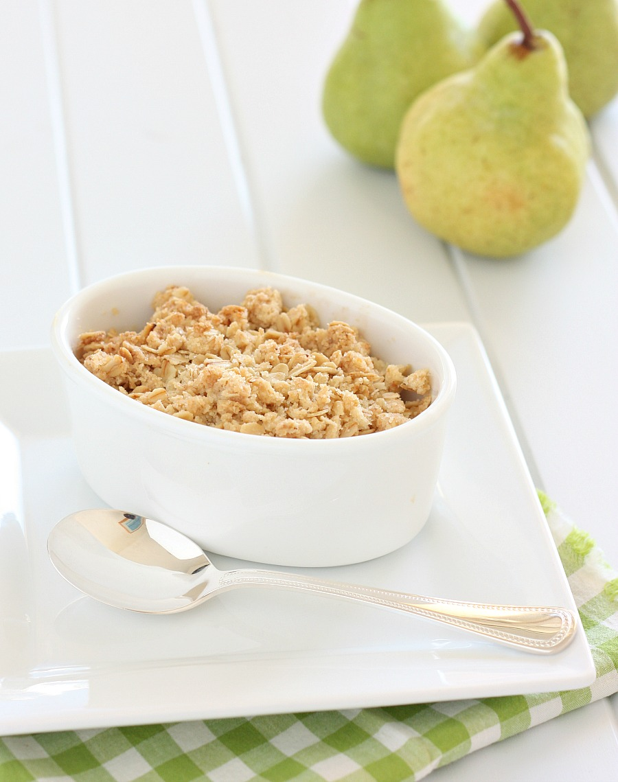 Delicious Pear Crumble Dessert