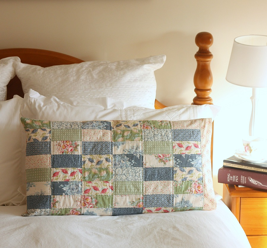 Pretty Patchwork Pillow Sham - Sewing Pattern by A Spoonful of Sugar & Pretty Patchwork Pillow Sham - A Spoonful of Sugar pillowsntoast.com