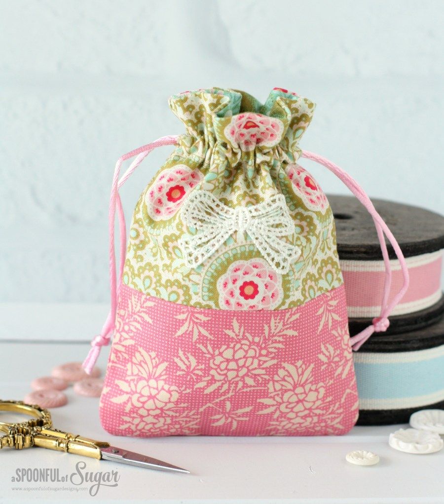Harvest Drawstring Bags - free sewing tutorial by A Spoonful of Sugar