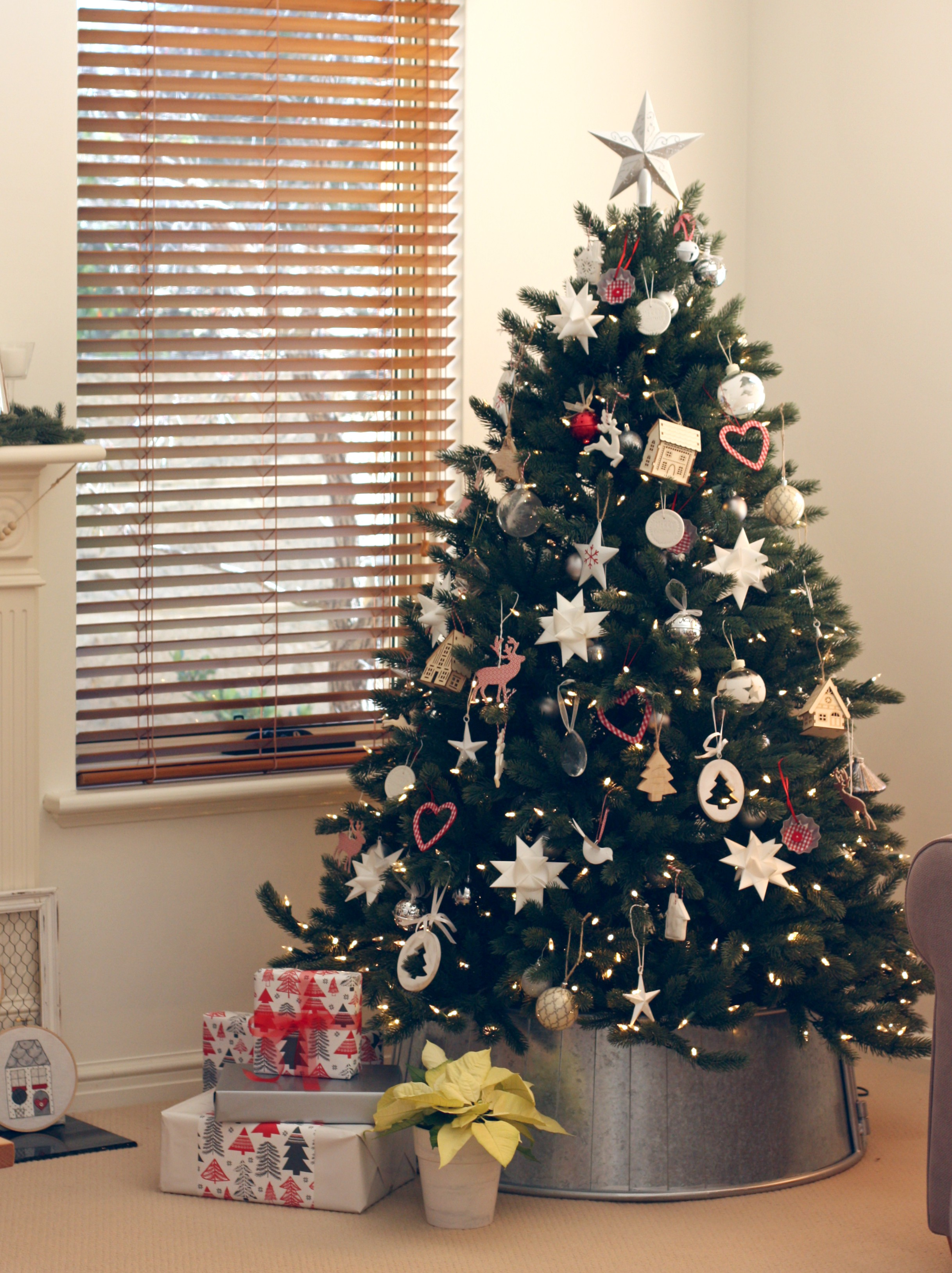 Scandinavian Christmas Decorating - A Spoonful of Sugar