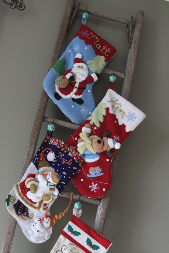 Remodelaholic How To Hang Stockings Without A Mantel How To Hang Christmas Stockings Without A Mantle &dv12