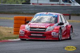 1032014.WTCC.Lada.Team.Race.Day.Seryogin.ASppa.Images