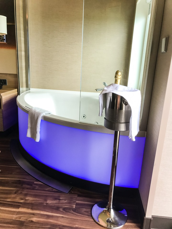 Jacuzzi in Haven Spa Suite
