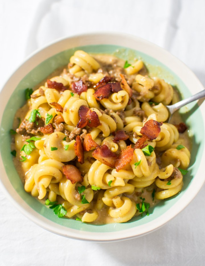 Instant Pot Bacon Cheeseburger Pasta overhead picture in a bowl