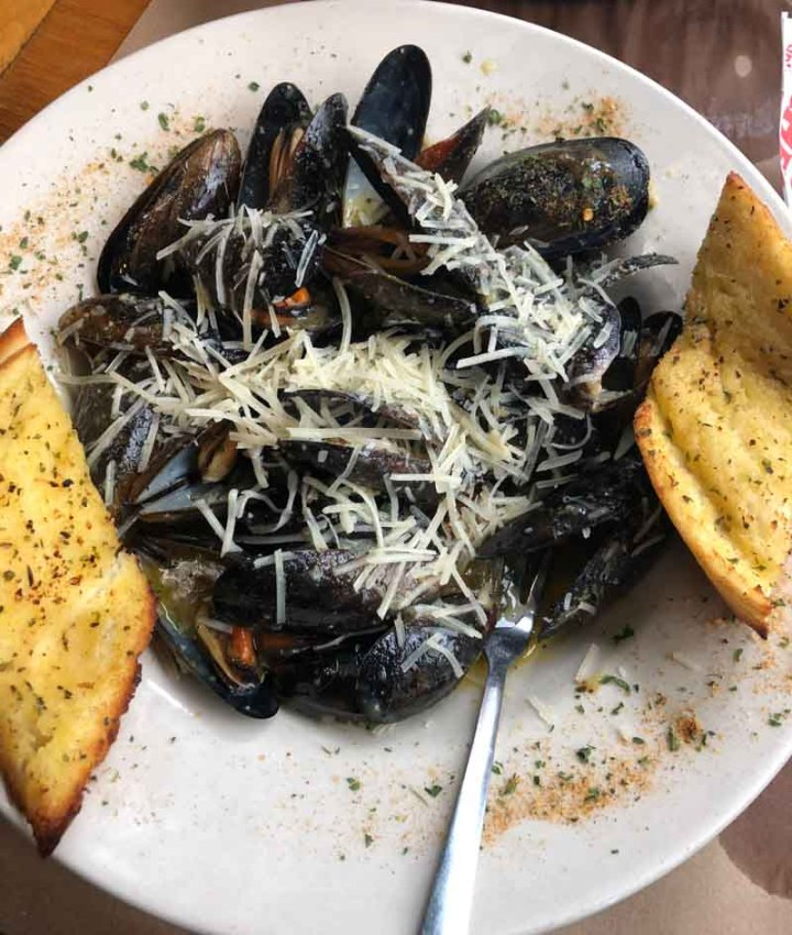 Mussels at Pinchers Crab Shack