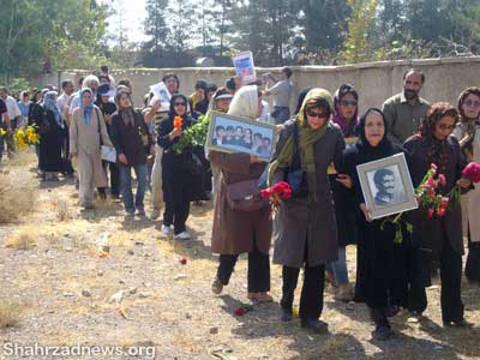 نتیجه تصویری برای عکس مادران خاوران