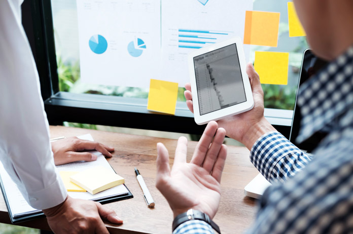 diferencas-entre-os-departamentos-comercial-e-de-marketing