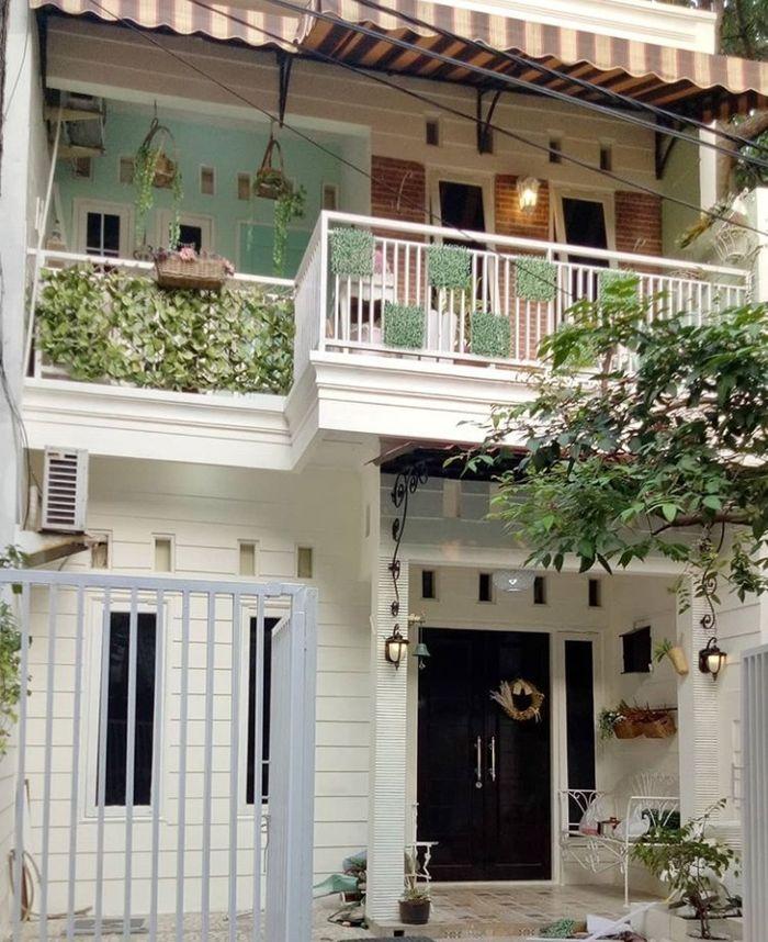 Rumah American Style : rumah, american, style, Intip, Teras, Bergaya, American, Style, Selebgram, @ferra_nargees,, Semua, Halaman