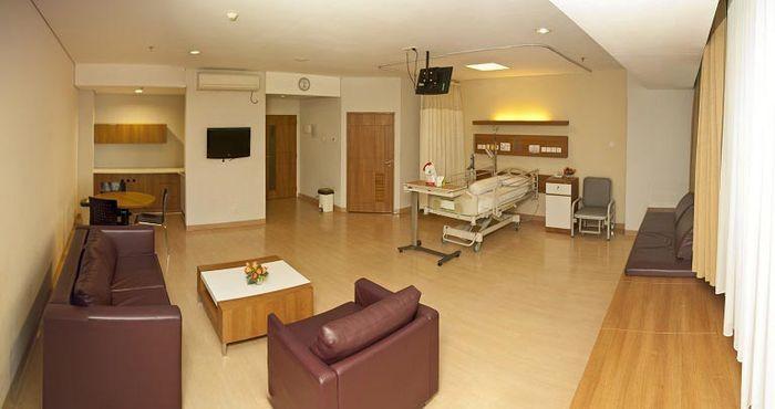 Nikita Mirzani Eka Hospital