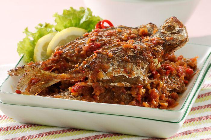 resepi ikan selar besar resep masakan khas Resepi Ikan Selar Kuning Masak Lemak Cili Api Enak dan Mudah