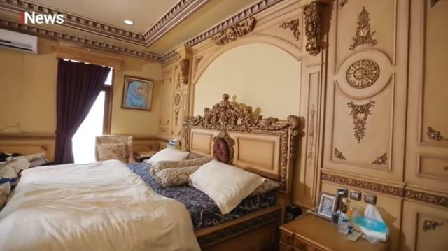 Rumahnya Terkenal Mewah dan Berlapis Emas, Kamar Tidur Fadel ...