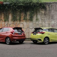 Toyota Yaris Trd Vs Honda Jazz Rs Sportivo Harga Beda Tipis Siapa Paling Value For Money Antara Dan
