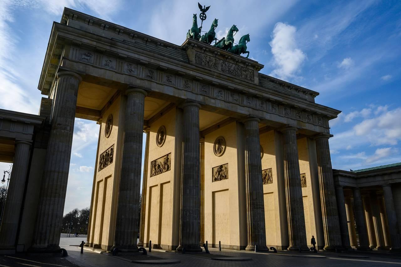 EU Proposes Ban on Travel to Europe to Slow Coronavirus Outbreak ...