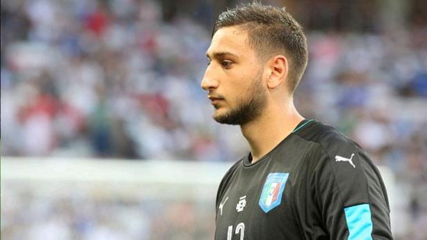 Indosport - Gianluigi Donnarumma saat membela Timnas Italia.