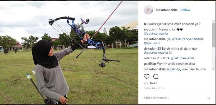 Cut Intan Nabila sedang memanah Copyright: instagram