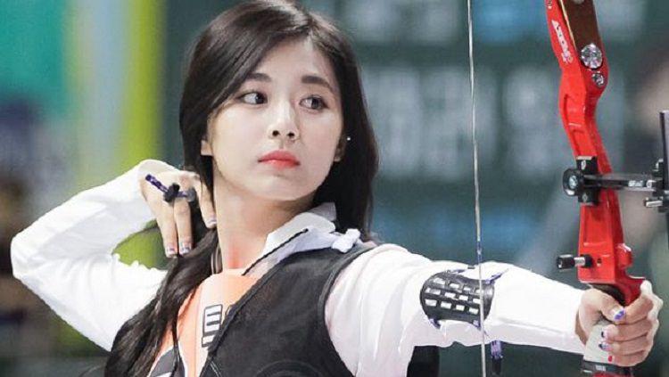 Viral Wajah Imut Tzuyu Twice saat Memanah Bak Boneka