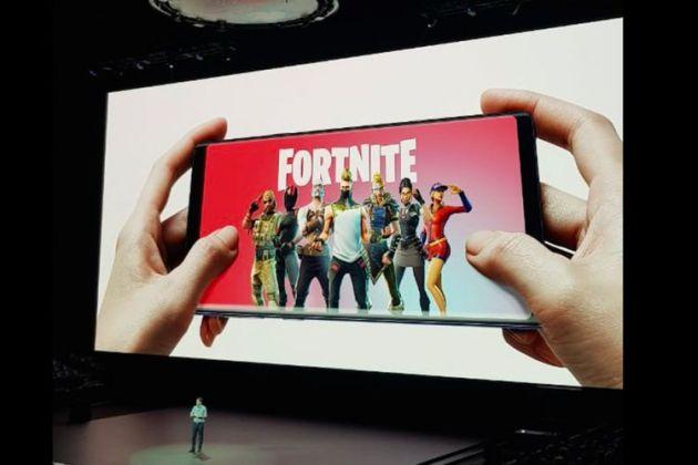 CEO Epic Game Tim Sweeney mengumumkan debut Fortnite versi Android dalam acara peluncuran Galaxy Note 9 di New York, Ameriak Serikat, Kamis (9/8/2018).