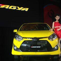 New Agya Trd Silver All Toyota Camry India Begini Detail 1 2 Terbaru Kompas Com Ghulam Kompasotomotif 2l
