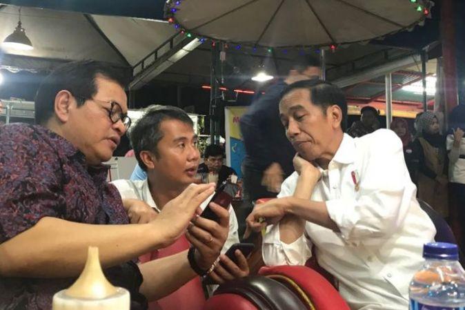 Hasil gambar untuk Malam Tempat Jokowi Menginap di Dharmasraya