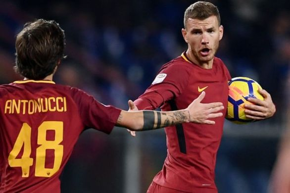 Ekspresi penyerang AS Roma, Edin Dzeko, setelah mencetak gol ke gawang Sampdoria pada laga tunda pekan ke-3 Liga Italia di Stadion Luigi Ferraris, Rabu (24/1/2018) waktu setempat.
