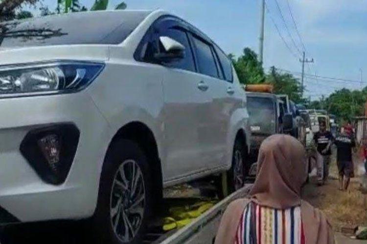 Residents of Sumurgeneng Village, Jenu District, Tuban Regency, buy cars en masse.