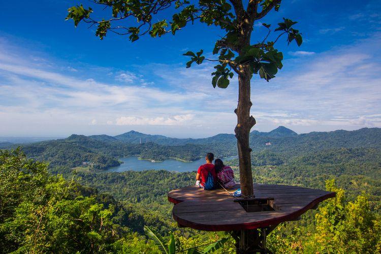 Wisata Kalibiru di Kulon Progo, Daerah Istimewa Yogyakarta.