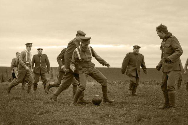 25 Desember 1914, Gencatan Senjata Natal Saat Perang Dunia I, Dua Kubu Pesta Bersama Halaman all - Kompas.com