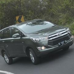 Berat All New Kijang Innova Toyota Venturer Sensasi Diesel Di Tanjakan Kintamani Kompas Com