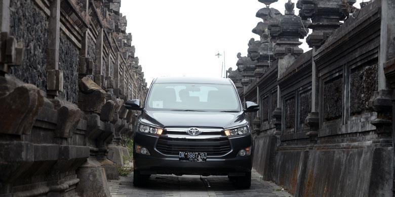 berat all new kijang innova gambar interior mobil alphard sensasi diesel di tanjakan kintamani kompas com